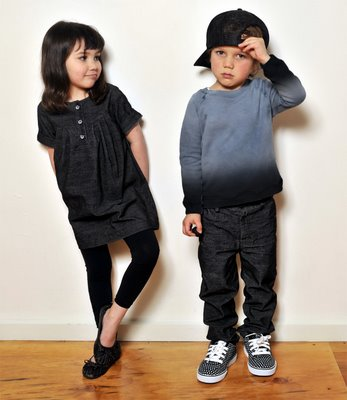 http://1.bp.blogspot.com/-V2ZFdsZh7w4/Ty9yg-jbPdI/AAAAAAAAAZM/9z9FhnwsrM4/s1600/fashion+anak+sekarang.jpg